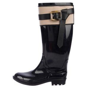 Burberry Rubber Rain Boots W/ Cute Accent Size 6